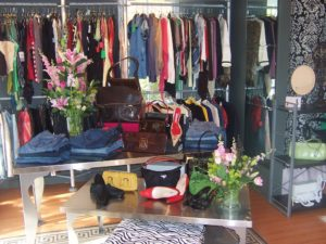 CROPPED - Consignment photo 2